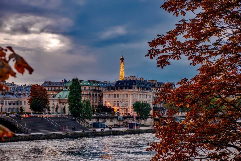 romantic fall getaway AnastasiaDate