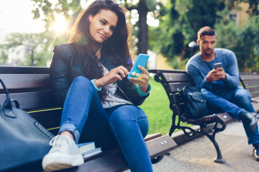 Your Phone Is Standing Between You And A Second Date | Anastasia Date