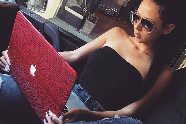 Why We Obsess Over An Online Love Who Ignores Us | Anastasia Date